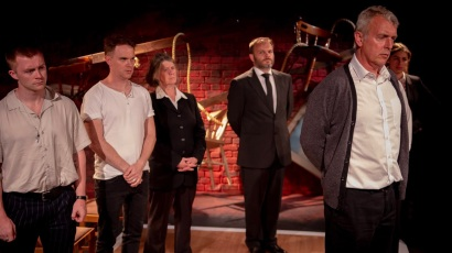 Angus Castle-Doughty, Sean Stewart, Shenagh Govan, Richard Fish, Euan Macnaughton and Saria Steel in I AM OF IRELAND, credit of Michael Robinson